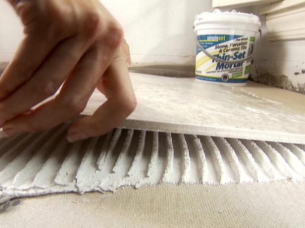 Клей для плитки. Каким клеем клеить плитку? Какой клей для плитки лучше?