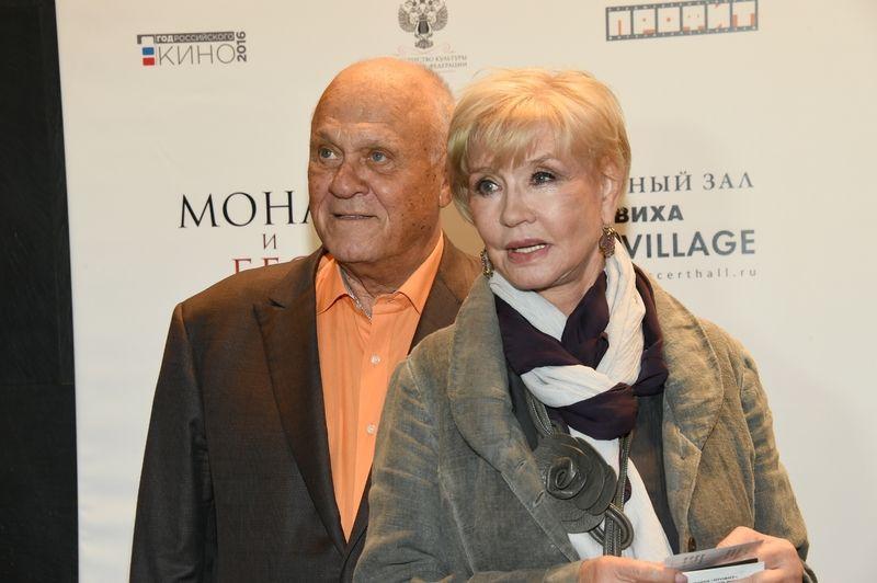 Юлия Меньшова трогательно поздравила отца с 80-летием
