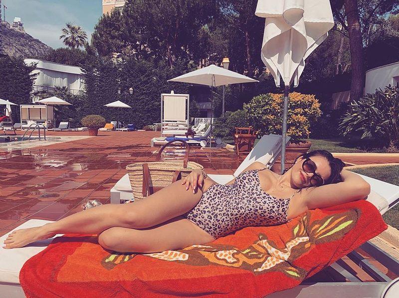 Виктория Крутая поделилась пляжным фото с отдыха в Монте-Карло