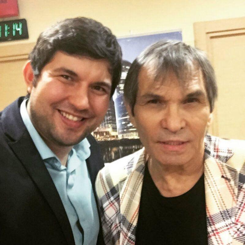 Сын Бари Алибасова избивал беременную жену
