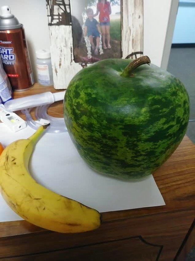 Фото странных овощей и фруктов, которые явно переживают раздвоение личности